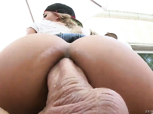 Latin Chloe Amour with huge melons is on the way to the height of pleasure with hard ram rod in her anal hole