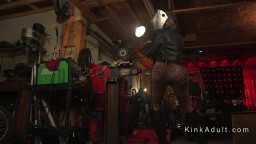 Huge boobs tranny anal bangs guy in her shop