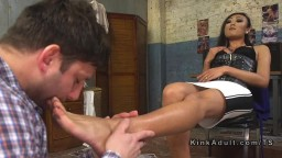 Tranny gets foot sucked before anal sex